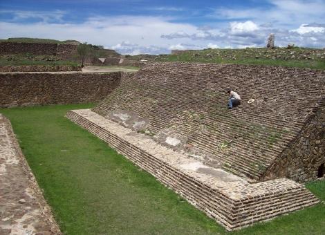 Juego de Pelota en el sitio arqueológico de Monte Albán Oaxaca, Sánchez 2010